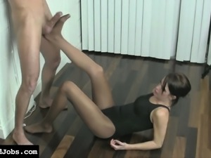 Cammy loves sucking big dicks and changing her clothes to play around