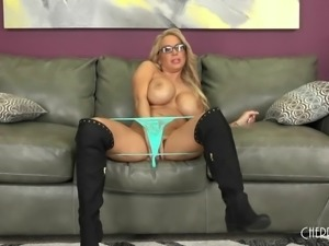 Huge boobs mom in slutty black boots banging hardcore