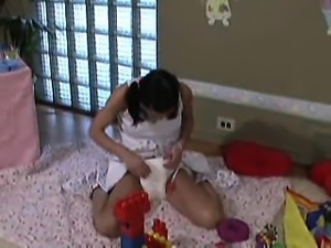 Alyssa Reece in diapers DDLG diapered girl