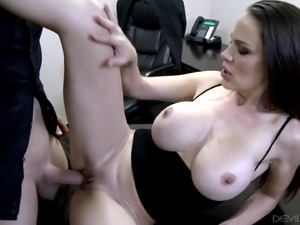 Big tits milf having her shaved pussy throbbed hardcore in close up