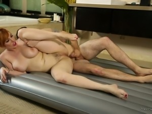 Big tittied red haired milf Lauren Phillips gives nuru massage and gets her...