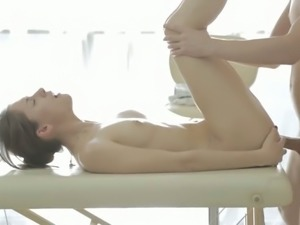 Slim hussy Aruna Aghora gets fucked on the massage table
