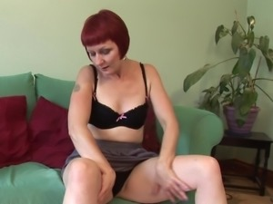 Experienced redhead goes naked and decides to show how she masturbates
