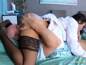 Breathtaking dark-haired chick in her hospital-penetration adventure