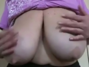 Mature woman showing huge big boobs in amateur video