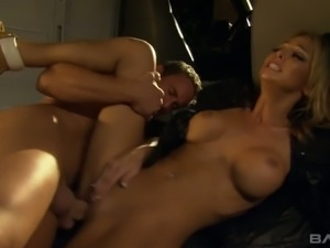 Fake tittied bitch Jessi Summers is fucked by dude in mask