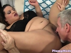 Chubby ebony gets hairypussy fucked perfectly
