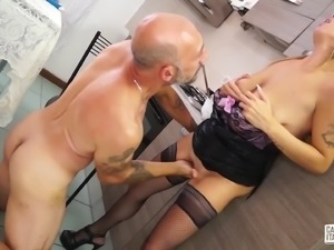 Skillful cook seduces a hot brunette with all sorts of treats