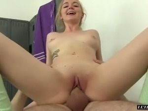 Shapely nympho Iris Rose is having sex with her BF in the locker room