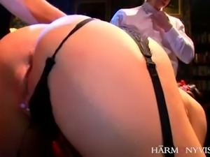 Well graced brunette harlot in sexy stockings Pearly Blue gets banged by...