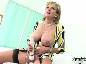 Cheating english mature gill ellis displays her gigantic tit