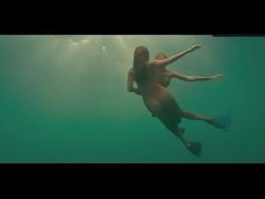 Sex Kelly Brook Bikini,  Breasts Scene  in Piranha 3D
