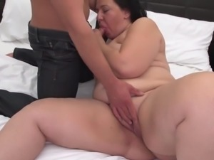 Gorgeous MILFs banging young boys