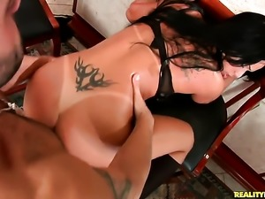 Piercings chachita Roge Ferro is horny as hell and sucks dudes throbbing...