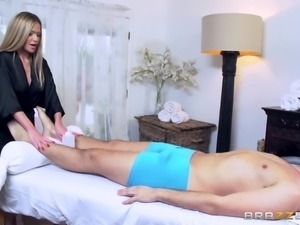 Brazzers - Subil Arch - Dirty Masseur