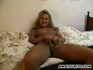 Warm butt girl fingers her cunt in readiness for striking