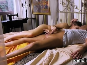 Cuddly chick gapes yummy slit and loses virginity