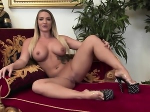Angie and Claudia pleasure their juicy cunts