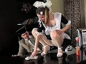 STP1 Sexy Teen Maid wurde zum Ficken gemacht!