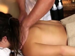 Teen wanks masseurs cock before missionary