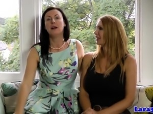 Les uk milf pussylicking bigtitted babe