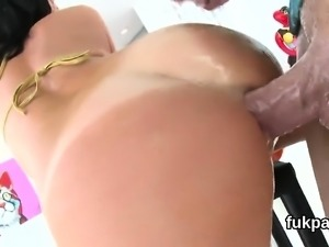 Ravishing peach shows off big ass and gets ass hole plowed