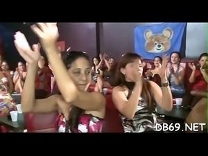 Dancing bear 6 vs 100