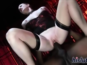 Sexy Holly pleasures a thick black dong