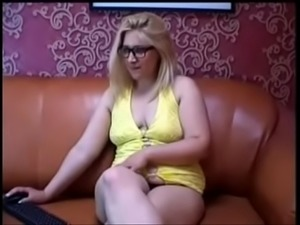 webcam chubby saggy in glasses strip - Get free sex at freecamsteen.com