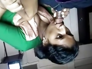 Mallu Aunty hot blowjob Part 1