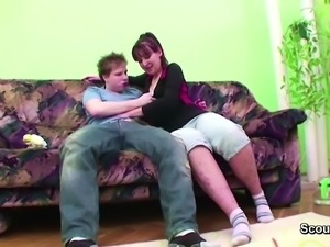 Young Boy Touch and Seduce Step-Mom to Get First Fuck