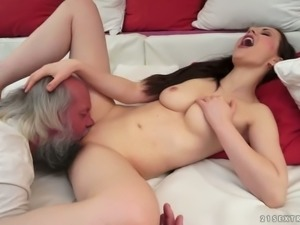 Sexy young skank sucking wrinkled old dick in kinky porn video