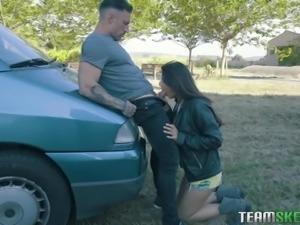 hot latina hitchhiker deepthroats a stiff prick