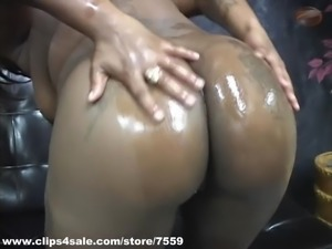 Mz. Bubbles hood stripper oil and shower