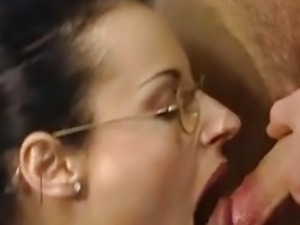 Hot secretary analized hard