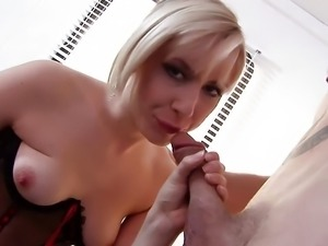 Repair's man gets to fuck a hot office chick