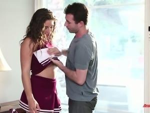 Mesmerizing sporty brunette cheerleader enjoys blowing big boner dick