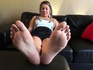 Blonde Foot Fetish on Cam
