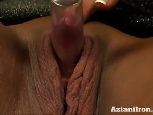 MILF strong amber girl pumps her big clit