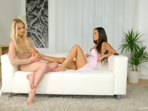 Alecia Fox bends over for Darcia Lee's skillful tongue