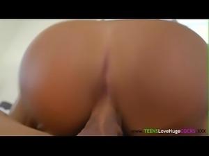 Teenage amateur toesucked before bigcock sex