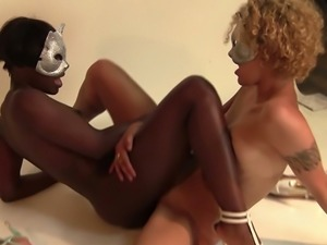 Black lesbian chick Anna Foxxx facesits her GF with undisguised pleasure