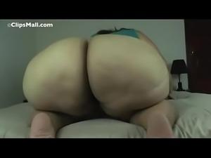 White SSBBW Shaking Her PHAT Ass