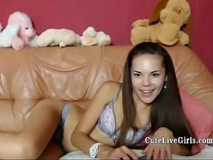 Teen Cam CuteLiveGirls.com Lovely Daughter Fingering No 1