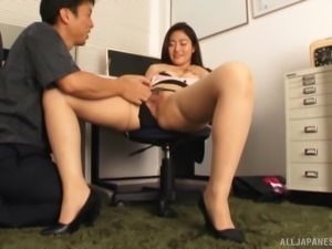 Kawana Aki seduced for an office fuck by a handsome lover