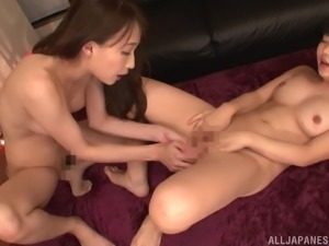 Hasumi Kurea spreads her legs for a cute Japanese babe