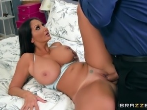 ava addams letting him fuck her pulsating pussy