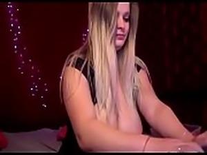 Hot girl on cam showing huge tits - watchfreewebcam.com