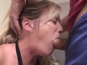 Samantha Lee is a blue eyed, blonde haired amateur MILF