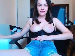 amateur ilikefacial flashing boobs on live webcam